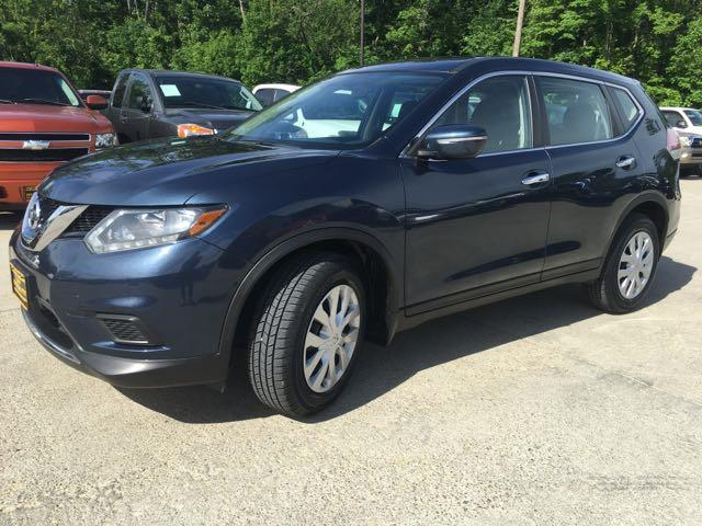 2015 Nissan Rogue SV - Photo 10 - Cincinnati, OH 45255