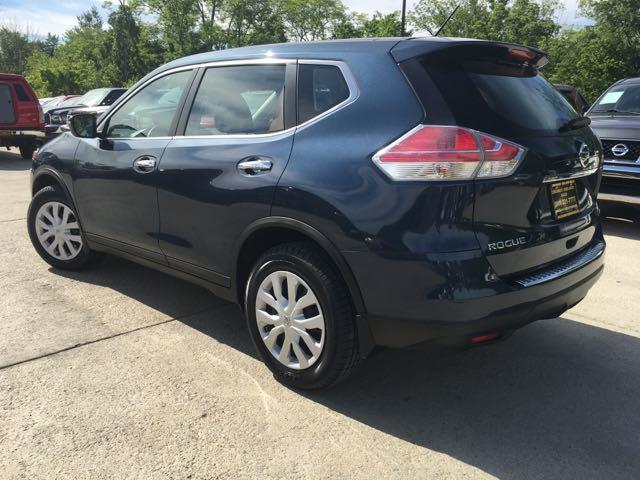 2015 Nissan Rogue SV - Photo 13 - Cincinnati, OH 45255