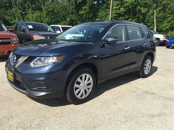 2015 Nissan Rogue SV - Photo 3 - Cincinnati, OH 45255