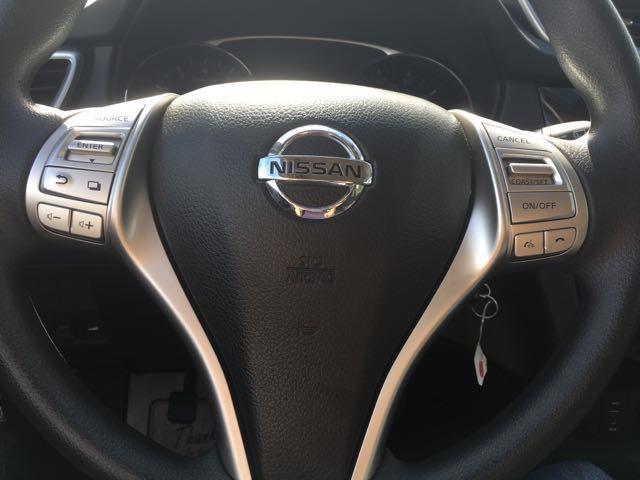 2015 Nissan Rogue SV - Photo 16 - Cincinnati, OH 45255