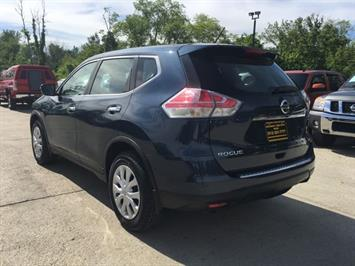 2015 Nissan Rogue SV - Photo 4 - Cincinnati, OH 45255
