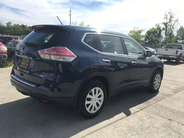 2015 Nissan Rogue SV - Photo 6 - Cincinnati, OH 45255