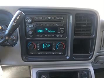 2004 GMC Sierra 2500 SLE 4dr Crew Cab - Photo 17 - Cincinnati, OH 45255