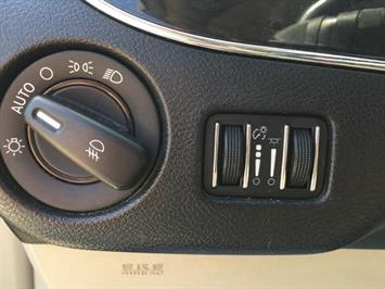 2012 Chrysler Town & Country Touring - Photo 24 - Cincinnati, OH 45255