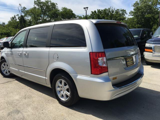 2012 Chrysler Town & Country Touring - Photo 14 - Cincinnati, OH 45255