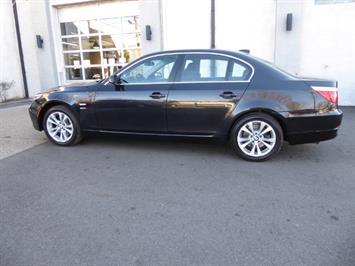 2009 BMW 535xi,NAV,PREM PKG,,TRIPLE BLACK,SILVER CERTIFID - Photo 2 - Burlington, NJ 08016