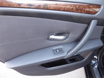 2009 BMW 535xi,NAV,PREM PKG,,TRIPLE BLACK,SILVER CERTIFID - Photo 11 - Burlington, NJ 08016