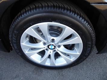 2009 BMW 535xi,NAV,PREM PKG,,TRIPLE BLACK,SILVER CERTIFID - Photo 30 - Burlington, NJ 08016