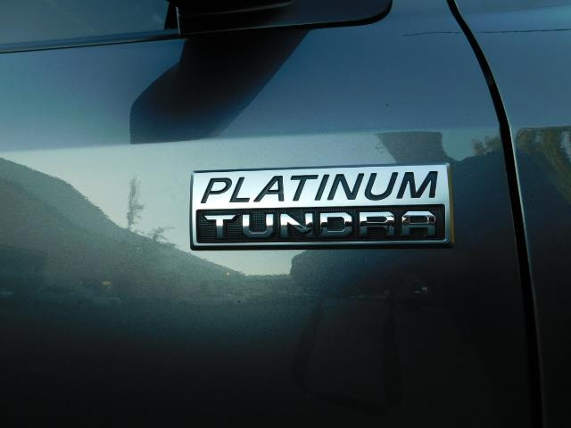 2015 Toyota Tundra PLATINUM / CrewMax / 4WD / FULLY LOADED / 1-OWNER - Photo 46 - Portland, OR 97217