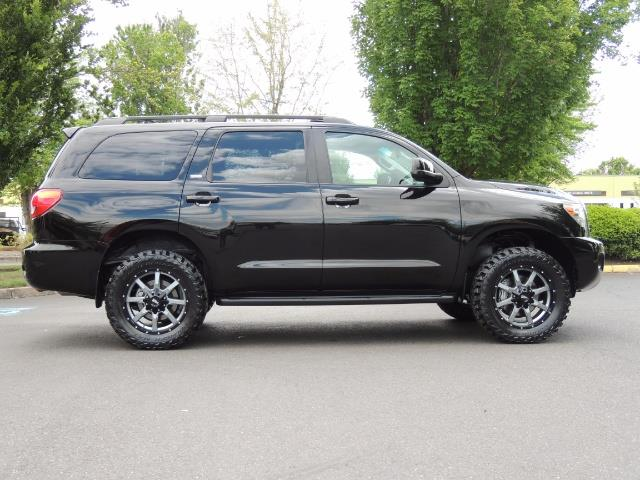 2016 Toyota Sequoia SR5 / 4WD / Third Seat / Sunroof / Backup / LIFTED - Photo 4 - Portland, OR 97217