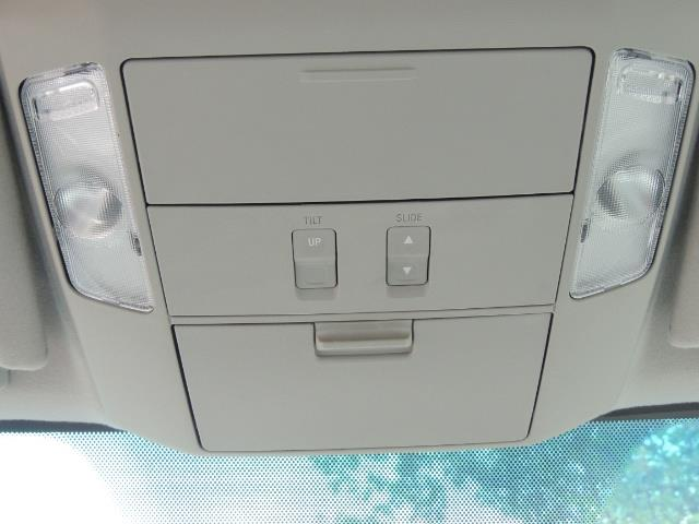 2016 Toyota Sequoia SR5 / 4WD / Third Seat / Sunroof / Backup / LIFTED - Photo 39 - Portland, OR 97217