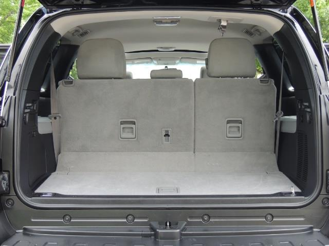 2016 Toyota Sequoia SR5 / 4WD / Third Seat / Sunroof / Backup / LIFTED - Photo 17 - Portland, OR 97217