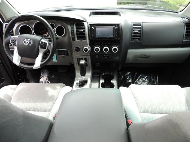 2016 Toyota Sequoia SR5 / 4WD / Third Seat / Sunroof / Backup / LIFTED - Photo 19 - Portland, OR 97217