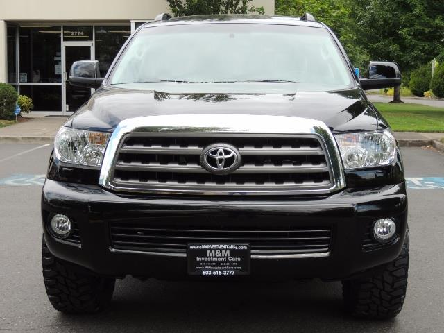 2016 Toyota Sequoia SR5 / 4WD / Third Seat / Sunroof / Backup / LIFTED - Photo 5 - Portland, OR 97217