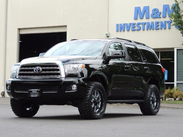 2016 Toyota Sequoia SR5 / 4WD / Third Seat / Sunroof / Backup / LIFTED - Photo 49 - Portland, OR 97217