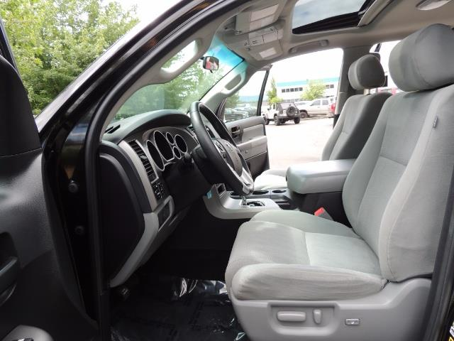 2016 Toyota Sequoia SR5 / 4WD / Third Seat / Sunroof / Backup / LIFTED - Photo 12 - Portland, OR 97217