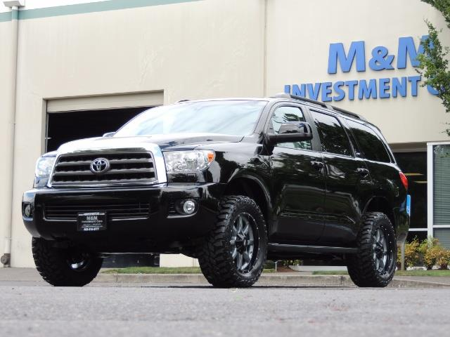 2016 Toyota Sequoia SR5 / 4WD / Third Seat / Sunroof / Backup / LIFTED - Photo 50 - Portland, OR 97217