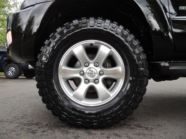 2003 Toyota 4Runner SR5 V6 / 4X4 / DIFF LOCK / LIFTED - Photo 23 - Portland, OR 97217