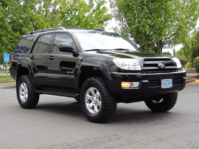 2003 Toyota 4Runner SR5 V6 / 4X4 / DIFF LOCK / LIFTED - Photo 2 - Portland, OR 97217