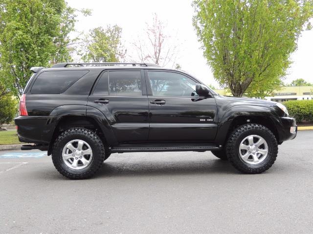 2003 Toyota 4Runner SR5 V6 / 4X4 / DIFF LOCK / LIFTED - Photo 4 - Portland, OR 97217