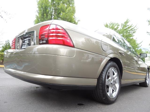 2002 Lincoln LS Luxury Sedan / Leather/ Heated Seats / Low Miles - Photo 11 - Portland, OR 97217