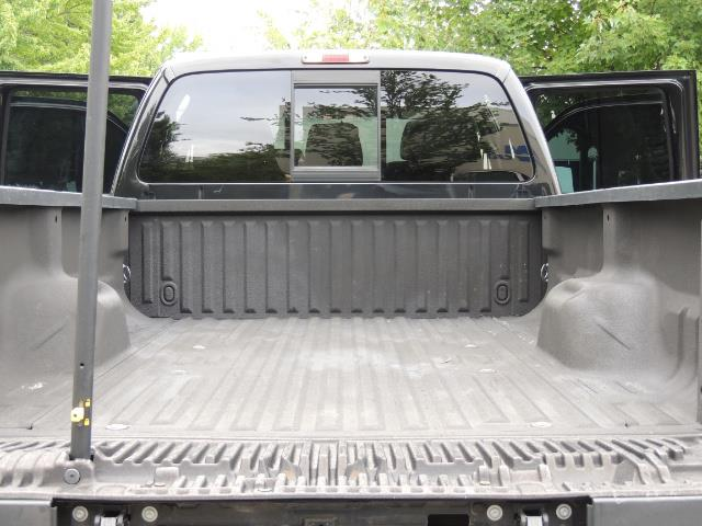 2011 Ford F-350 Super Duty Lariat / 4x4 / 6.7L DIESEL / LOADED - Photo 28 - Portland, OR 97217
