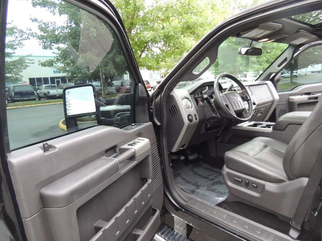 2011 Ford F-350 Super Duty Lariat / 4x4 / 6.7L DIESEL / LOADED - Photo 13 - Portland, OR 97217