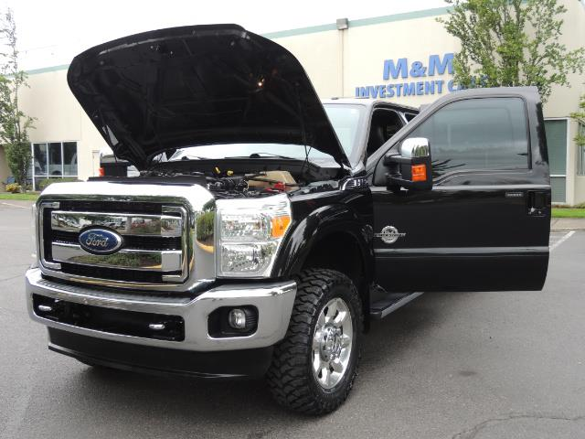 2011 Ford F-350 Super Duty Lariat / 4x4 / 6.7L DIESEL / LOADED - Photo 25 - Portland, OR 97217