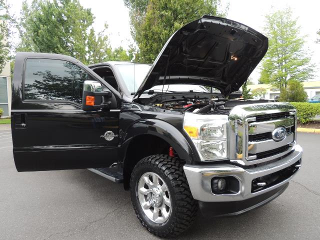 2011 Ford F-350 Super Duty Lariat / 4x4 / 6.7L DIESEL / LOADED - Photo 33 - Portland, OR 97217