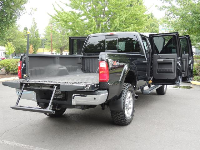 2011 Ford F-350 Super Duty Lariat / 4x4 / 6.7L DIESEL / LOADED - Photo 31 - Portland, OR 97217