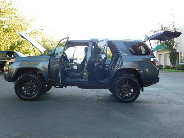 2016 Toyota 4Runner SR5 / 4WD / Sport Utility / LIFTED LIFTED - Photo 26 - Portland, OR 97217