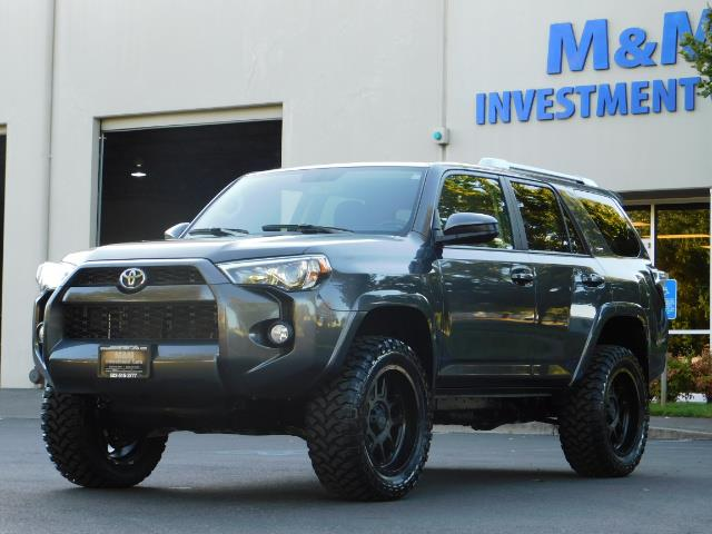 2016 Toyota 4Runner SR5 / 4WD / Sport Utility / LIFTED LIFTED - Photo 1 - Portland, OR 97217