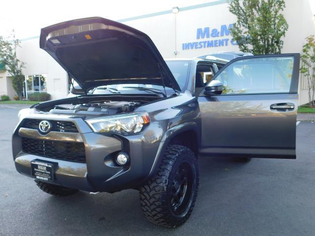 2016 Toyota 4Runner SR5 / 4WD / Sport Utility / LIFTED LIFTED - Photo 25 - Portland, OR 97217