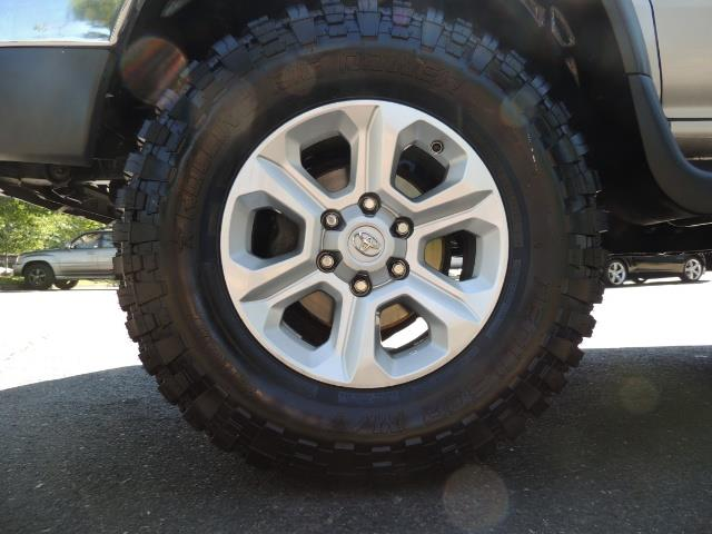 1999 Toyota 4Runner SR5 4WD V6 3.4L / LEATHER / NEW TIRES / LIFTED - Photo 23 - Portland, OR 97217