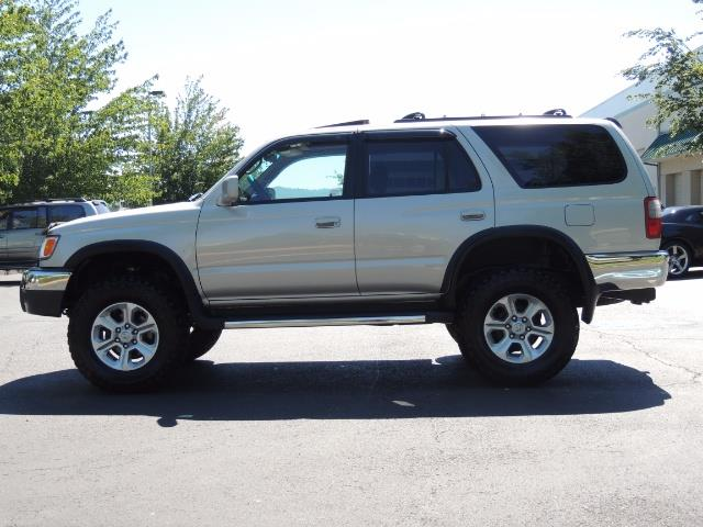 1999 Toyota 4Runner SR5 4WD V6 3.4L / LEATHER / NEW TIRES / LIFTED - Photo 3 - Portland, OR 97217