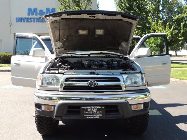 1999 Toyota 4Runner SR5 4WD V6 3.4L / LEATHER / NEW TIRES / LIFTED - Photo 29 - Portland, OR 97217