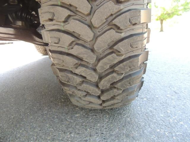 1999 Toyota 4Runner SR5 4WD V6 3.4L / LEATHER / NEW TIRES / LIFTED - Photo 24 - Portland, OR 97217