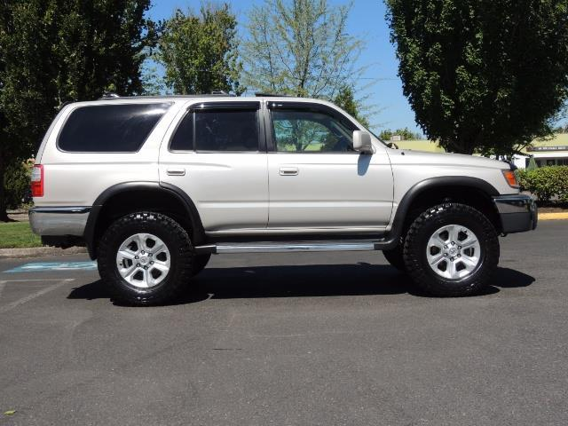 1999 Toyota 4Runner SR5 4WD V6 3.4L / LEATHER / NEW TIRES / LIFTED - Photo 40 - Portland, OR 97217