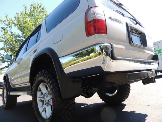 1999 Toyota 4Runner SR5 4WD V6 3.4L / LEATHER / NEW TIRES / LIFTED - Photo 11 - Portland, OR 97217