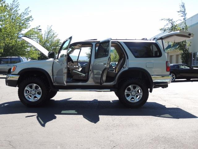 1999 Toyota 4Runner SR5 4WD V6 3.4L / LEATHER / NEW TIRES / LIFTED - Photo 21 - Portland, OR 97217