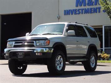 1999 Toyota 4Runner SR5 4WD V6 3.4L / LEATHER / NEW TIRES / LIFTED SUV