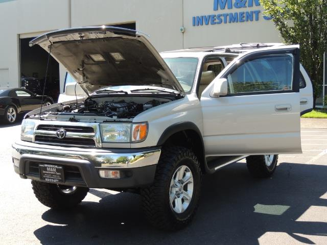 1999 Toyota 4Runner SR5 4WD V6 3.4L / LEATHER / NEW TIRES / LIFTED - Photo 31 - Portland, OR 97217