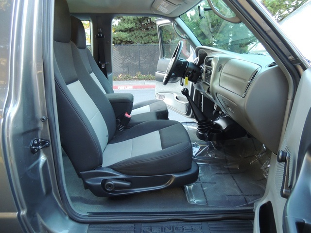2005 Ford Ranger XLT  4X4 SuperCab V6  5SPEED MANUAL  1OWNER