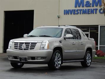 2009 Cadillac Escalade EXT TRUCK / AWD / NAVi / BACUP CAM / Pure Luxury Truck