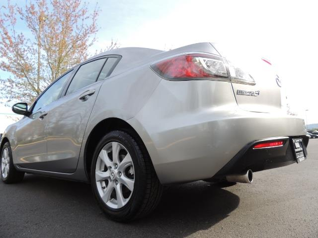 2010 Mazda Mazda3 i Touring / Sedan / Sunroof / Premium Sound - Photo 10 - Portland, OR 97217