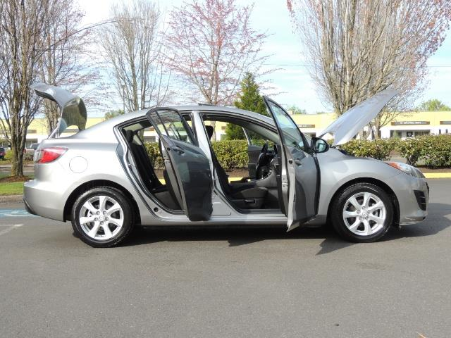 2010 Mazda Mazda3 i Touring / Sedan / Sunroof / Premium Sound - Photo 30 - Portland, OR 97217