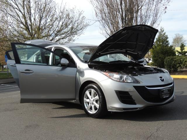 2010 Mazda Mazda3 i Touring / Sedan / Sunroof / Premium Sound - Photo 31 - Portland, OR 97217