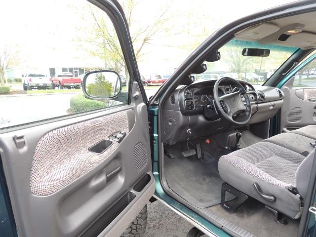 1998 Dodge Ram 2500 Laramie SLT / 4X4 / 5.9L Cummins Diesel 12-VALVE - Photo 13 - Portland, OR 97217