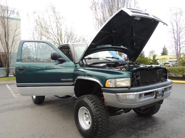 1998 Dodge Ram 2500 Laramie SLT / 4X4 / 5.9L Cummins Diesel 12-VALVE - Photo 29 - Portland, OR 97217
