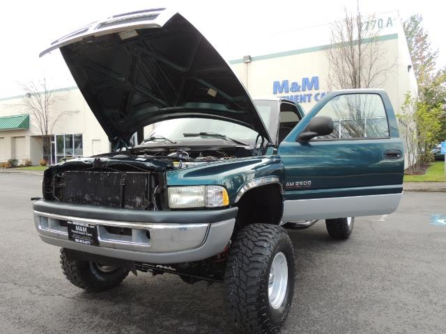 1998 Dodge Ram 2500 Laramie SLT / 4X4 / 5.9L Cummins Diesel 12-VALVE - Photo 25 - Portland, OR 97217